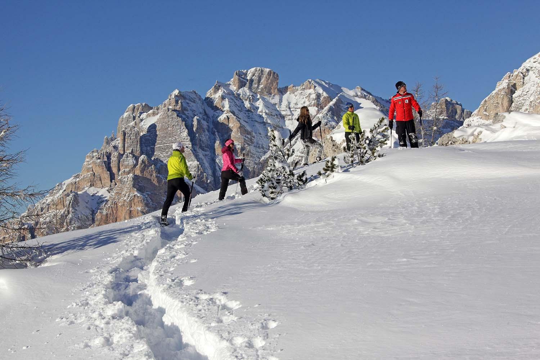 Alta Badia_Ciaspole - Snowshoeing_by FREDDY PLANINSCHEK